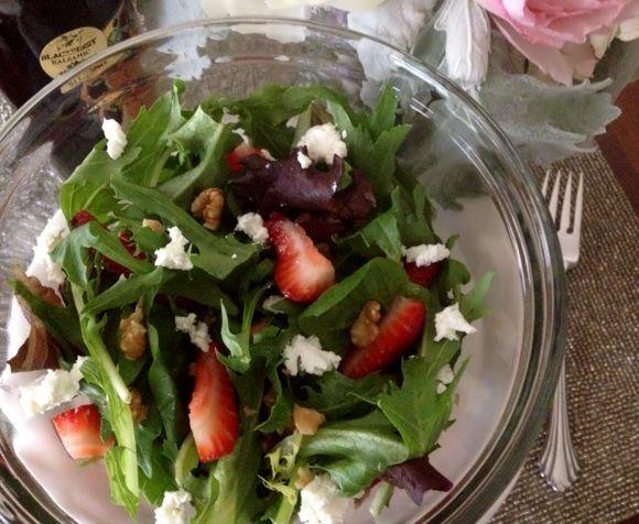 strawberry goat salad3