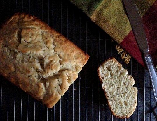 lem thyme chia bread