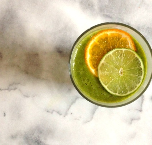 Green Smoothie with Tangerine, Lime, Spinach